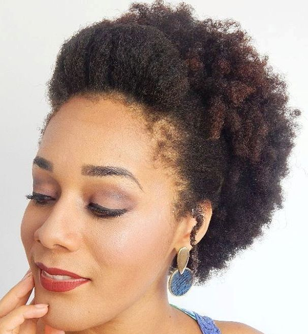 https://i.pinimg.com/236x/c1/80/2b/c1802b2240970210375f96cb3fff0ef2--hairstyles-for-short-hair-twa-hairstyles.jpg